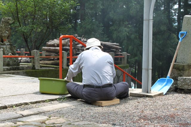 木のざぶとん。自分に合わせて道具を使いこなす。さすがです。