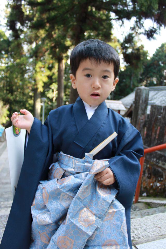 おとうさんから受け継いだ大切な袴ですから。