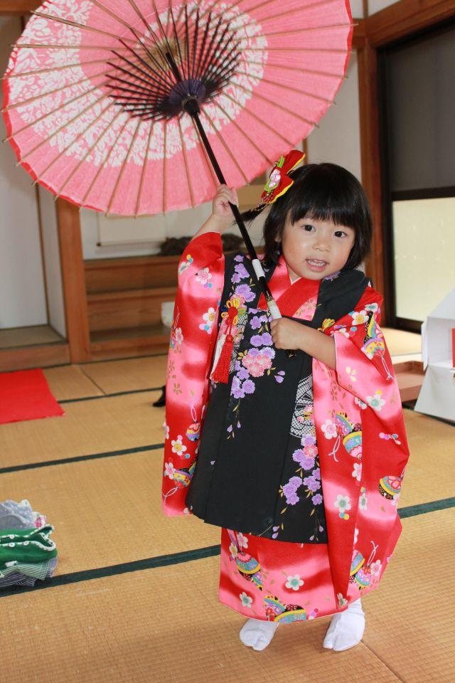 海老一染之助・染太郎の100倍かわいい傘回し。